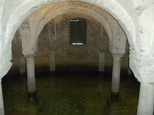 De kelder van de di San Francesco basiliek