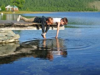 Plezier bij het Khuvsgul meer in Mongolië. Foto: Tseren Tours