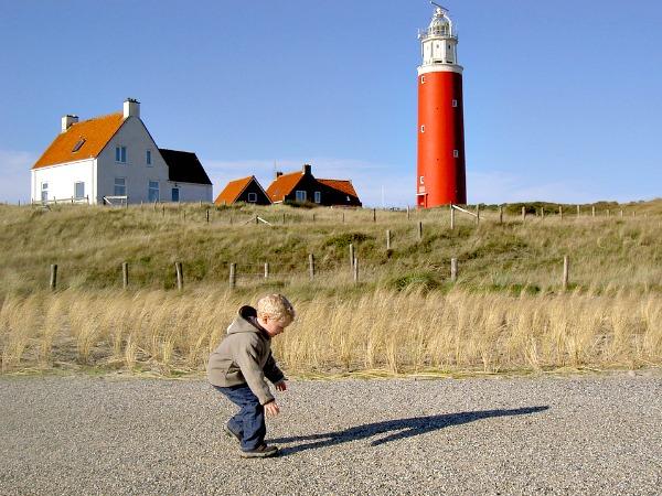 Wandelen bij de vuurtoren van Texel