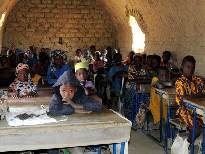 We bezoeken een klaslokaal in Mali