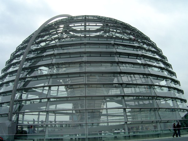 De koepel op de Rijksdag in Berlijn