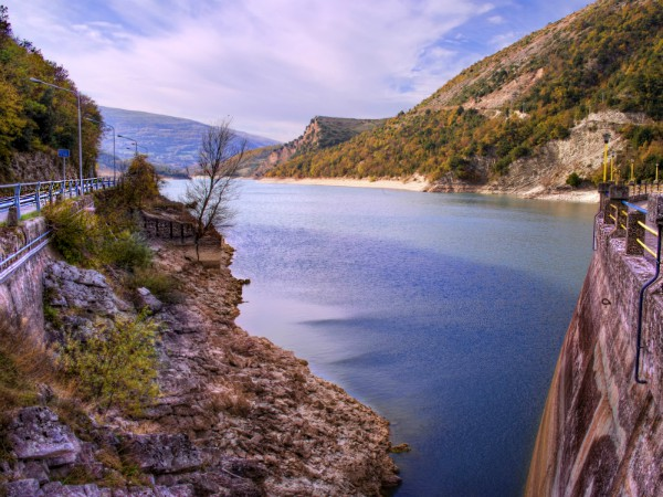 Lago Fiastra in Mont Sibillini National Park
