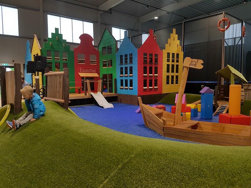 Het indoor speeltuintje voor de allerkleinsten