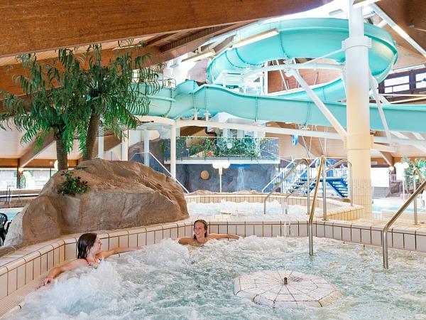 Het zwembad bij Landal Salztal Paradies