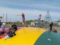 Airtrampoline bij Camping Lauwersoog
