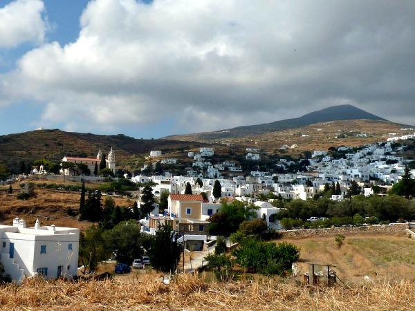 Het dorp Lefkes in de binnenlanden