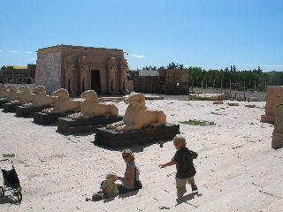 Nep, maar fantastische Egyptische tempels bij de Filmstudio's in Ouarzazate
