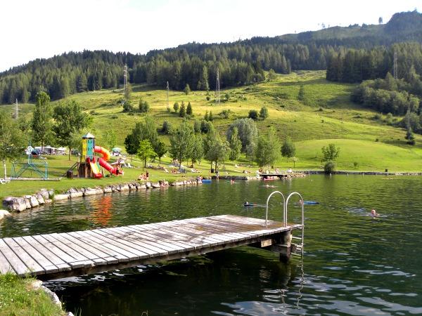 Oostenrijk, prachtig meertje tussen de bergen