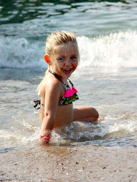 Nummer 3: Meisje in zee
