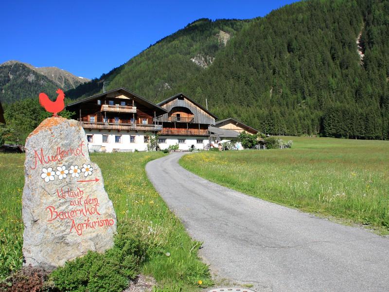 boerderijhotel Mudlerhof voor de bergen