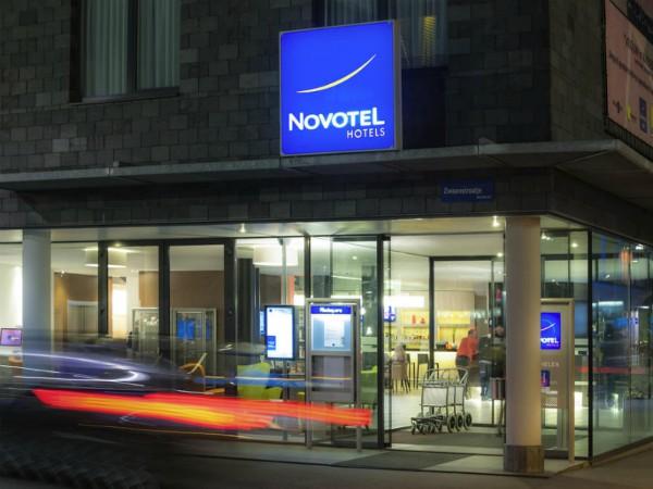 Het Novotel in het centrum van Mechelen