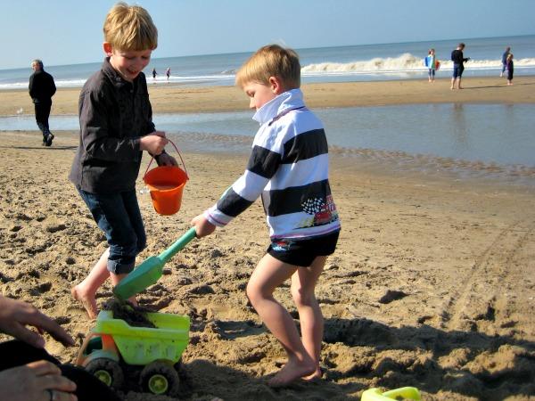 Op het strand bij Noordwijk