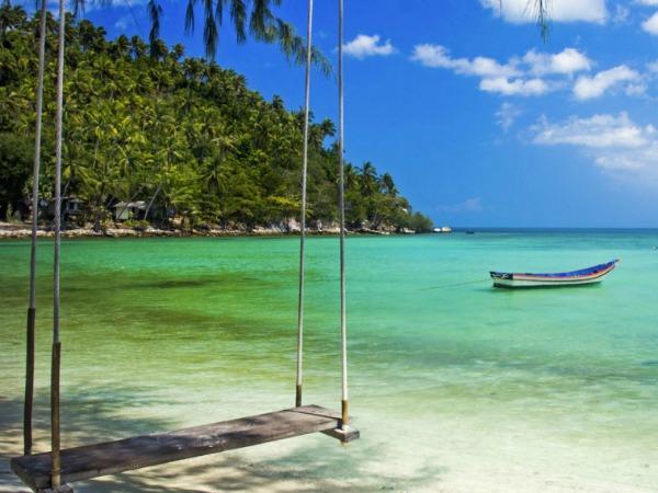 Schommel aan het Thaise strand