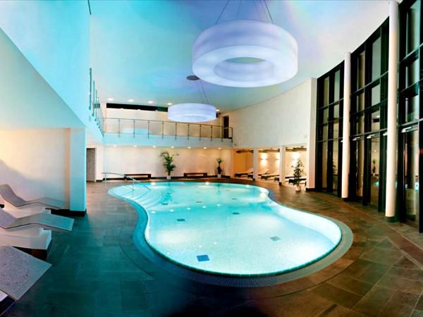 zwembad van hotel wehrle