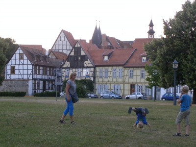 Lekker dollen in het park in Quedlinburg