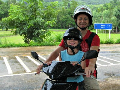 Op de scooter bij Chiang Rai