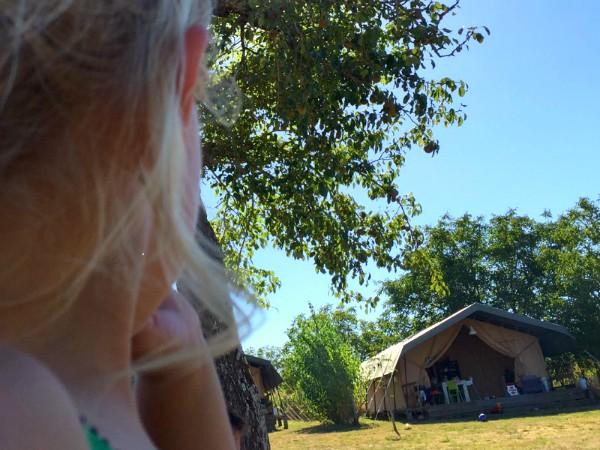 Eén van de safaritenten bij Place de la Famille