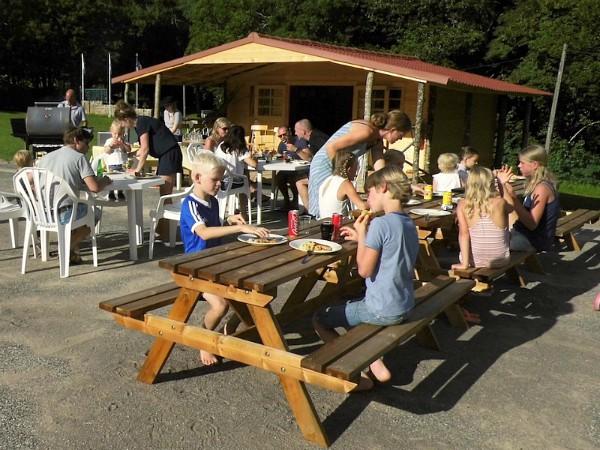 barbeque bij vakantiepark Platus