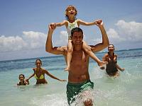 Spelen in zee bij Club Med