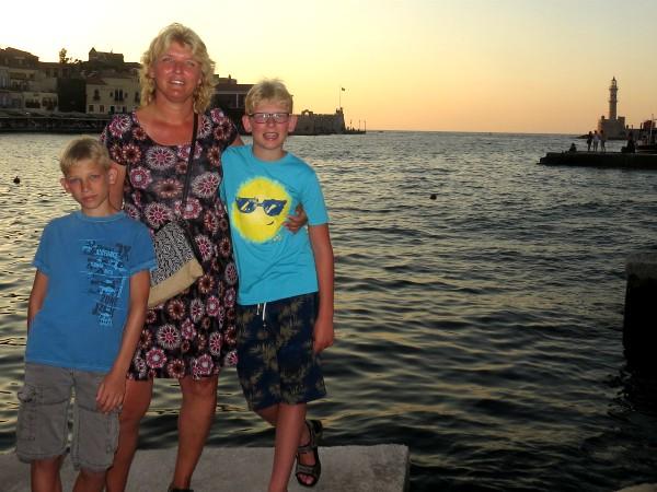 Poseren in de mooie haven van Chania tijdens onze vakantie in 2017
