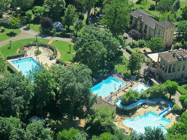 Zwembad en landgoed van Moulin de la Pique