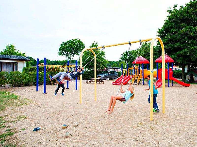 speeltuin op recreatiepark noordwijkse duinen