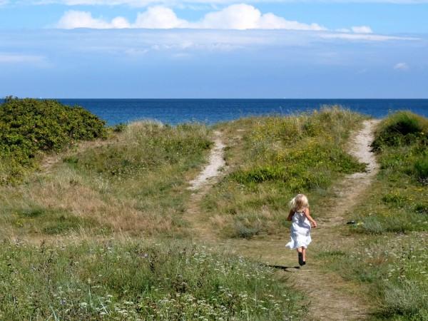Rennen naar het strand op Falster