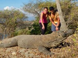 Bij een echte Komodovaraan in het wild!
