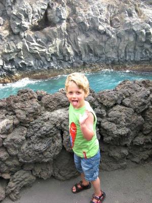 Rotsformaties langs de kust van Lanzarote