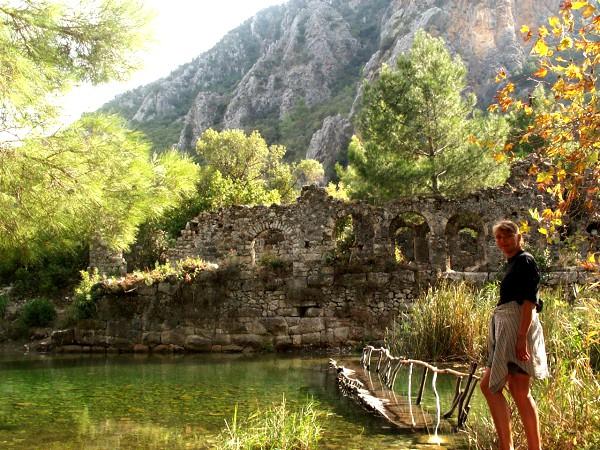 De ruïnes van Olympos in de natuur