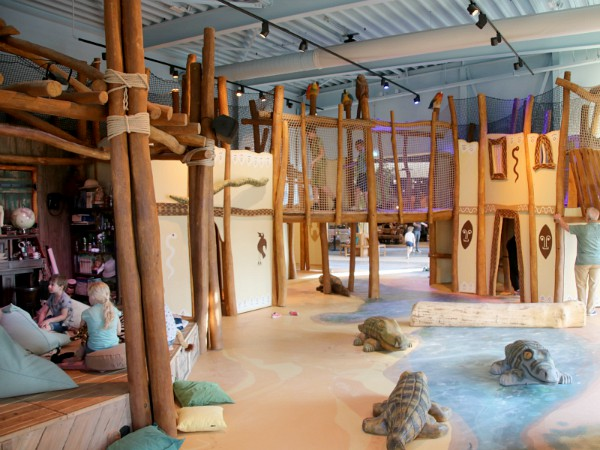 Indoor speeltuin bij het Rangers Basecamp