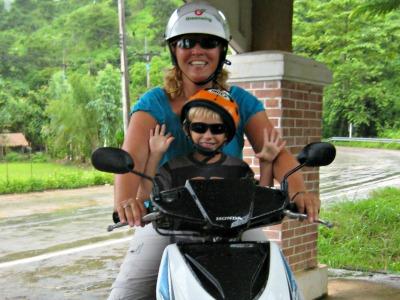 Met Tycho op de scooter ontdek ik Chiang Rai en omgeving