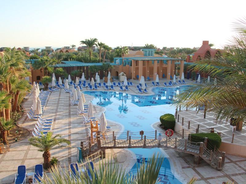 het zwembad van het sheraton miramar resort