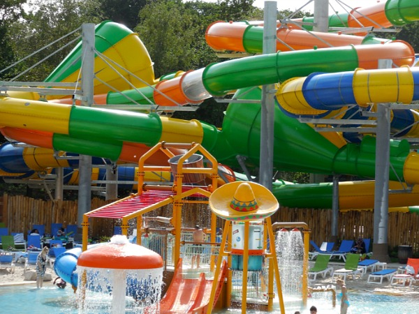 waterpark met glijbanen in nederland