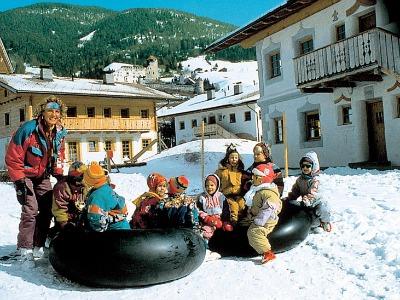 Plezier in de sneeuw met de hele familie