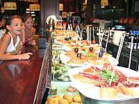 Tapas eten in Spanje met Riksjakids