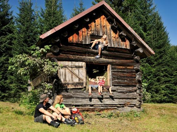 Hooischuur oftewel speelhuisje in Oberstdorf