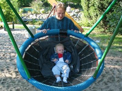 Plezier in de speeltuin met een baby