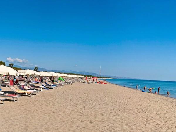 Het strand is in Calabrië en Basalicata nooit ver weg