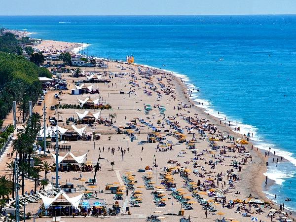 Het strand van Calella aan de Costa Barcelona