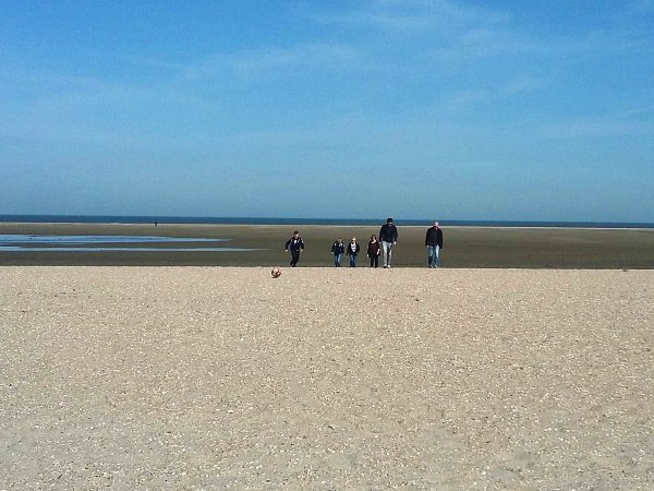 Het brede strand bij Ouddorp