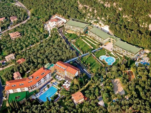 Sun Hotel Majestic Palace in de mooie groene omgeving