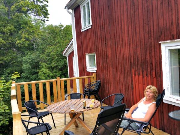 Op het terras van vakantievilla Äskedal
