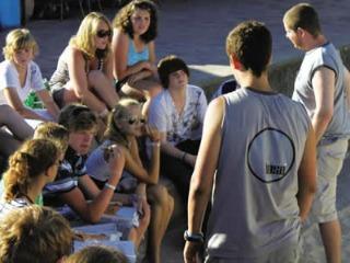 Tieners op de camping
