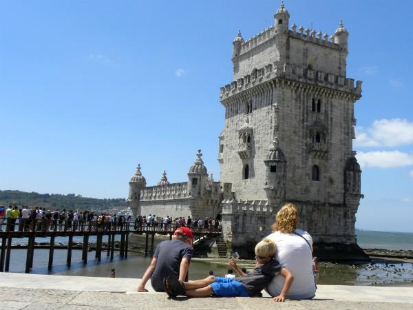 Even chillen bij Torre de Belém in Lissabon