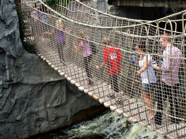 Touwbrug in Zoom Erlebniswelt