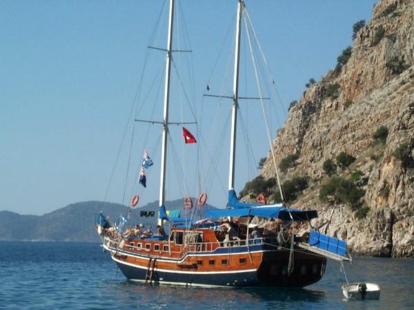 Turk gullet in de prachtige baai van Olympos