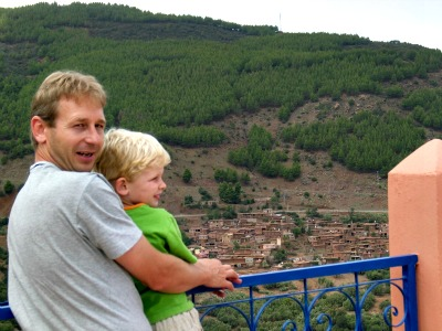 Uitzicht over een dorpje in de hoge Atlas