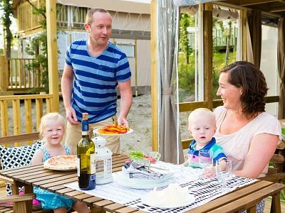 glamptent vacanceselect met gezin