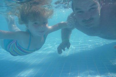even onder water zwemmen